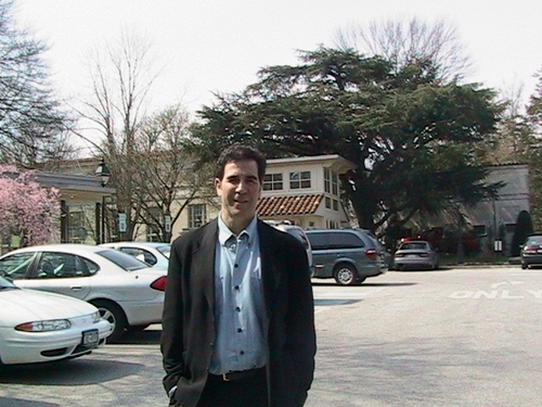 Mr. Rosen visiting the Barnes Exhibit near Philadelphia.